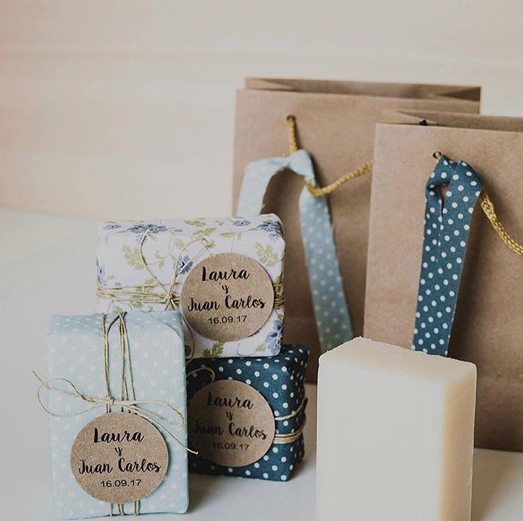 Cadeaux invités de savons. Paris en Noces. Wedding planner ile de France