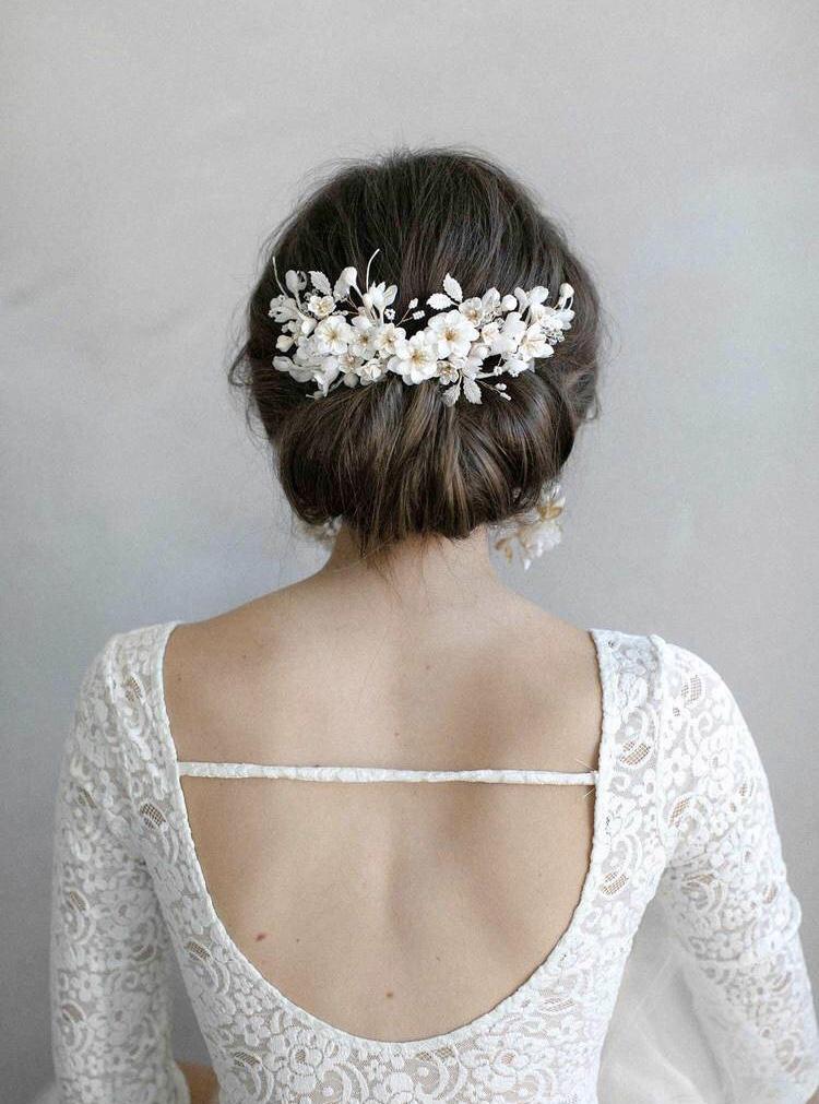 Bijoux de cheveux mariage. Coiffures de mariage. Paris en Noces. Wedding Planner Ile de France