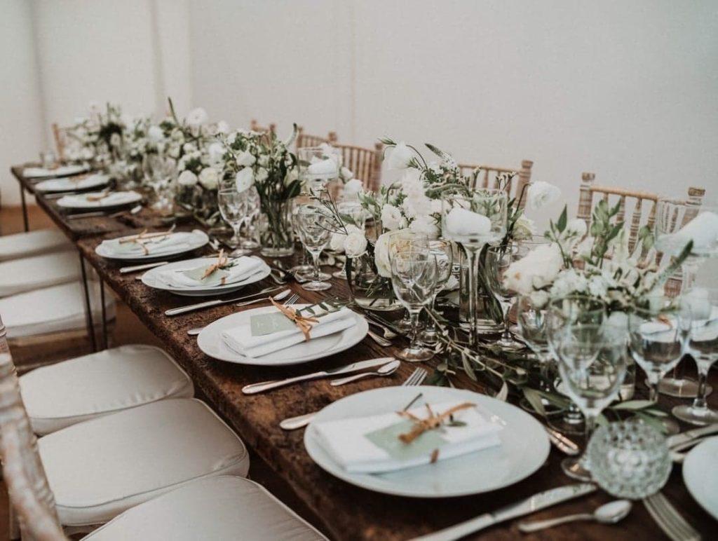 Décoration d'une table de mariage vert Décoration de mariage Wedding Planner en Ile de France. Paris en Noces